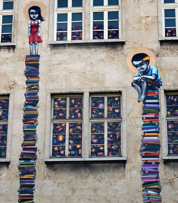 tinho book mural