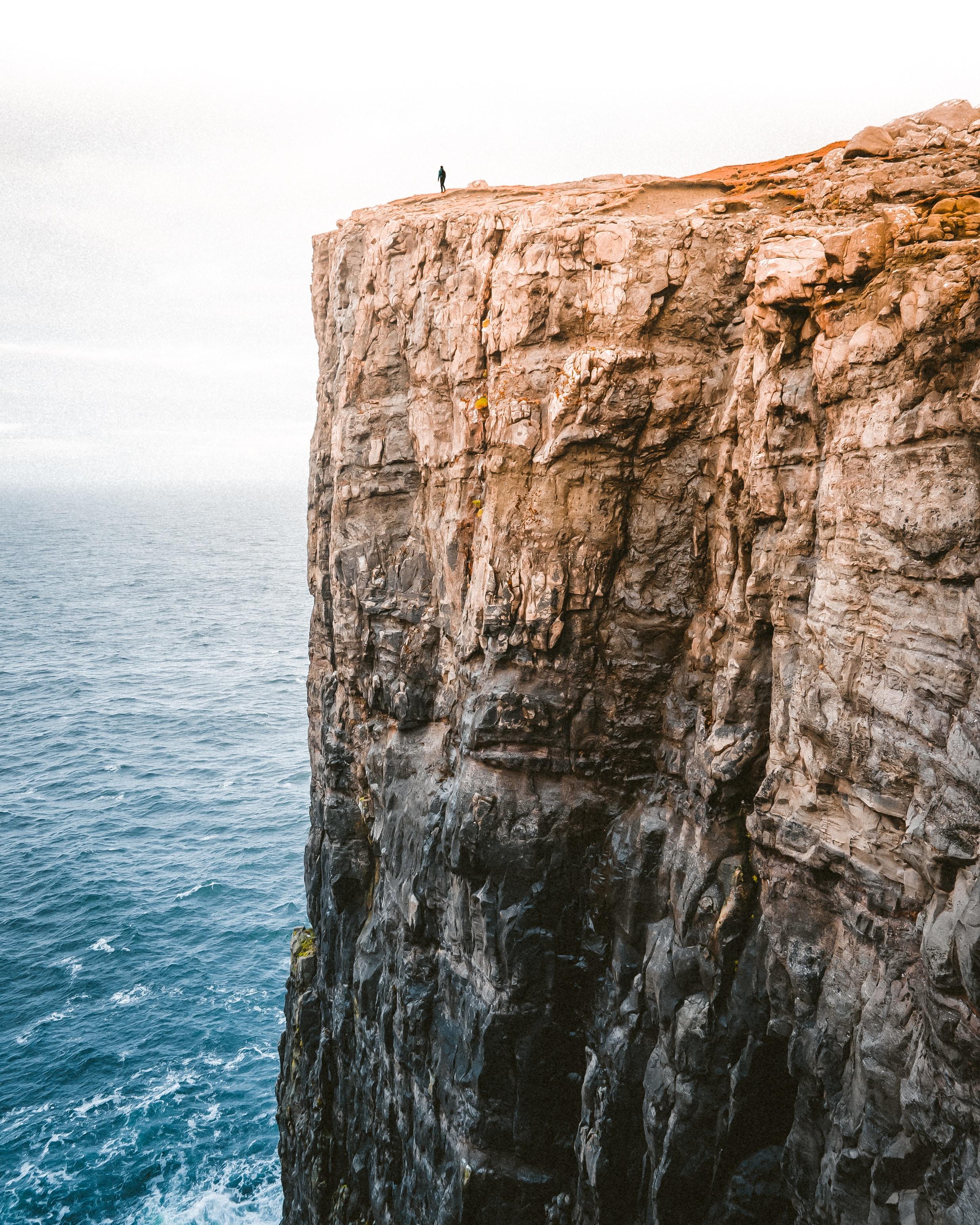 trail-cliff